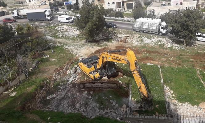 الاحتلال يهدم منزلا ومنشآت في صور باهر وبيت لحم
