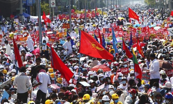 انقلاب ميانمار: توسع الاحتجاجات وعقوبات أممية على العسكر