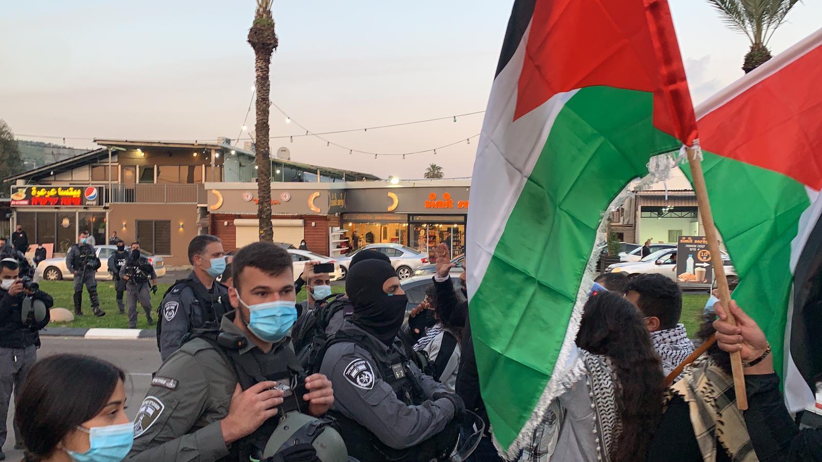 اعتقال 3 قاصرين: الشرطة تعتدي على متظاهرين ضد الجريمة في عرعرة