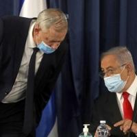 غانتس التقى عبد الله سرا: نتنياهو غير مرغوب به بالأردن