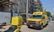 إصابة عامل بجراح خطيرة إثر سقوطه عن علوّ في بئر السبع