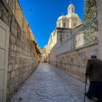 """المجلس الأرثوذكسي في فلسطين والأردن: """"صفقة أراضي مار إلياس الأخيرة كارثية"""""""