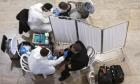 وفاة 116 شخصا بكورونا في أسبوع و712 بحالة حرجة: لا تقييدات جديدة قبل الانتخابات