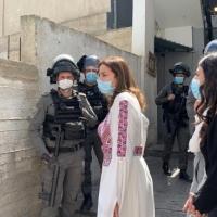 القدس: الاحتلال يعتقل سيدتين ويقمع فعالية لمناسبة يوم المرأة