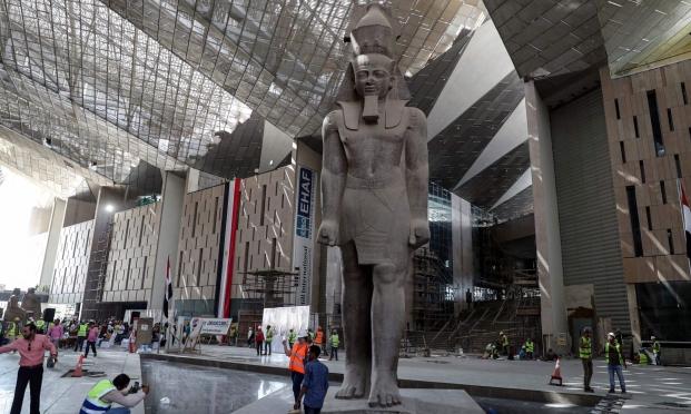 """""""يوم تاريخي ينتظر مصر"""": موكب لنقل 22 مومياء ملكية فرعونية"""