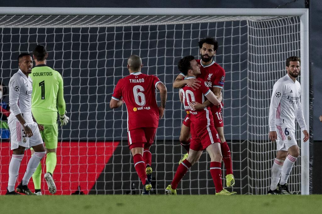 ريال مدريد يسحق ليفربول بثلاثية وهدف لصلاح