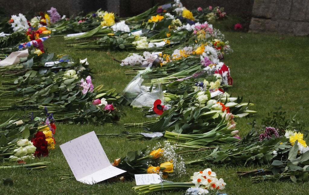المملكة المتحدة: إطلاق المدافع حدادا على وفاة الأمير فيليب