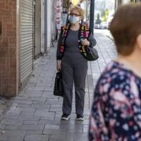 بدءا من الأحد: إلغاء فرض ارتداء الكمامات في الأماكن المفتوحة
