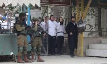 خلال التراويح والفجر: حفلات للمستوطنين بساحات المسجد الإبراهيمي