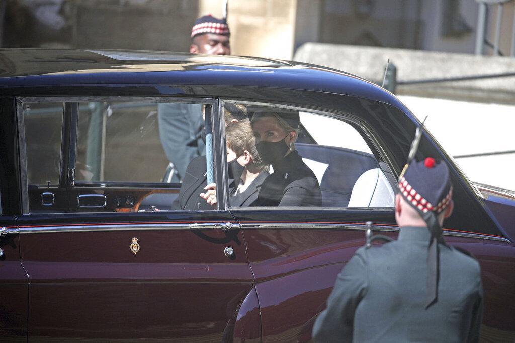 انطلاق مراسيم تشييع الأمير فيليب