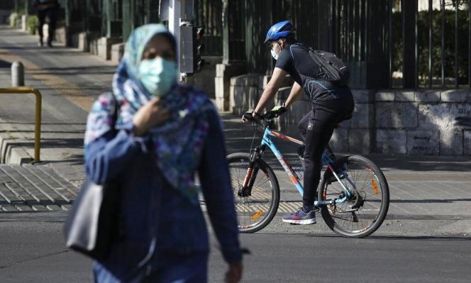إيران: وفيات كورونا تتجاوز 400 خلال يوم للمرة الأولى منذ أشهر
