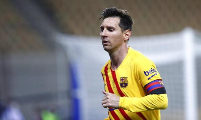 ميسي يقترب من البقاء مع برشلونة