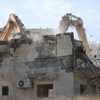الاحتلال يجبر مقدسيا على هدم منزله ويعتقل 5 شبان بالبلدة القديمة
