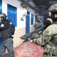 """وحدات القمع تقتحم سجن """"عوفر"""" وتجري تدريبات استفزازية"""
