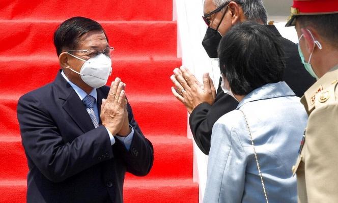 """""""آسيان"""" تجتمع مع قادة الانقلاب العسكري في ميانمار"""