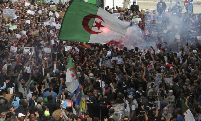 """الجزائر: تفكيك خلية """"انفصاليّة"""" حضّرت """"لتنفيذ تفجيرات"""" وسط الحراك الاحتجاجيّ"""