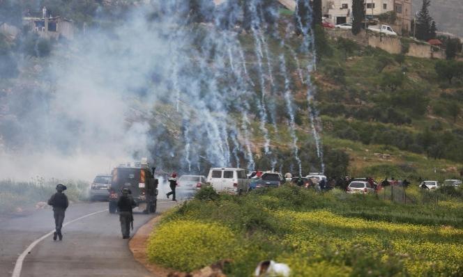 إصابات إحداها بالرصاص الحيّ خلال تفريق جيش الاحتلالمسيرات بالضفة
