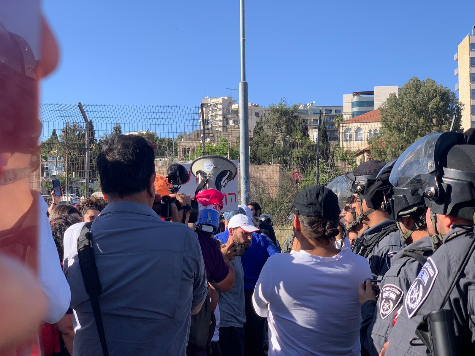 مواجهات القدس المحتلّة: نحو 205 إصابات في الأقصى وباب العامود والشيخ جراح