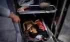 25 شهيدا بينهم امرأة و 9 أطفال في غزة
