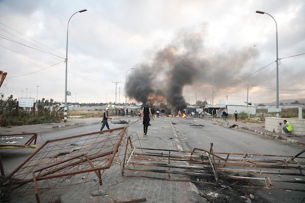 مواجهات الضفة: 11 شهيدا وعشرات الإصابات بالرصاص الحي