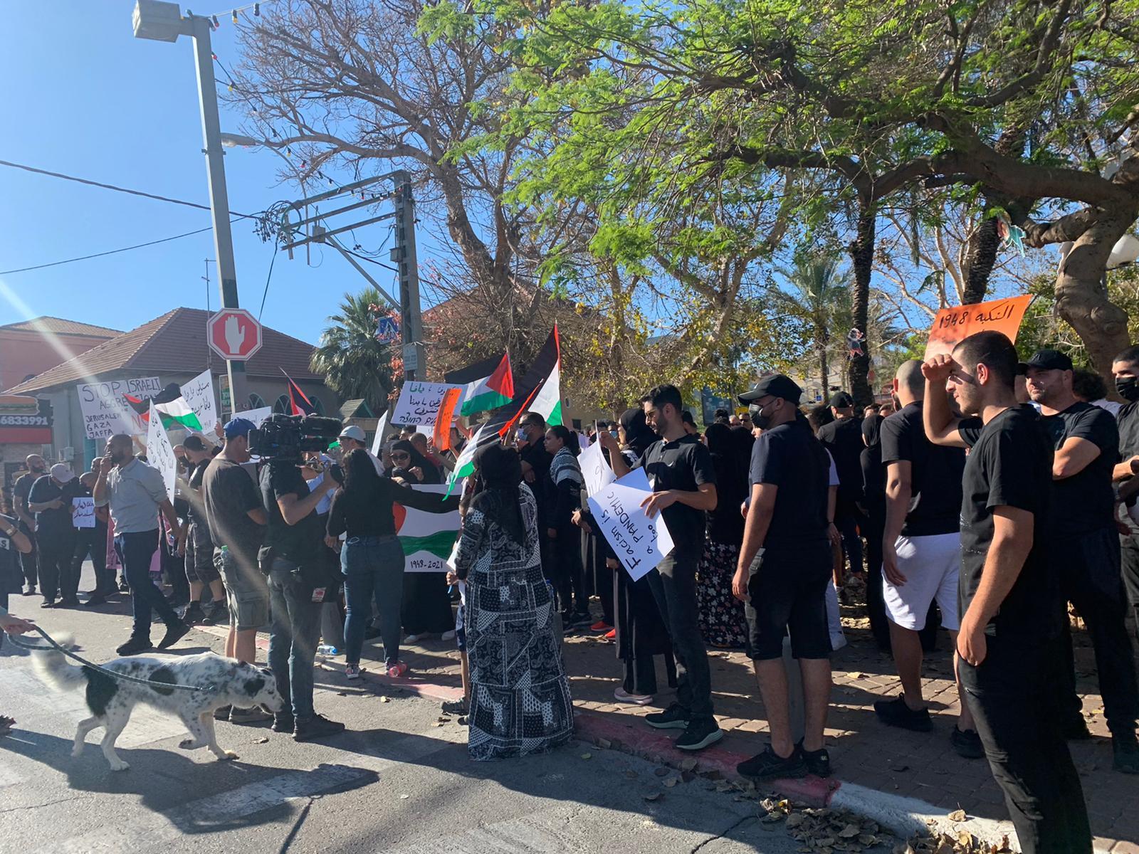 يافا: المئات يتظاهرون ضد اعتداءات المستوطنين ونصرة لغزة