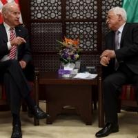 بايدن يطلب عباس التدخل لدى حماس لوقف قصف إسرائيل
