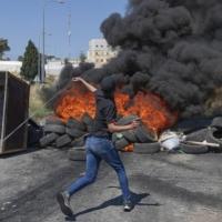 الضفة: استشهاد فلسطينيين تأثرا بجراحهما وعملية إطلاق نار قرب الخليل