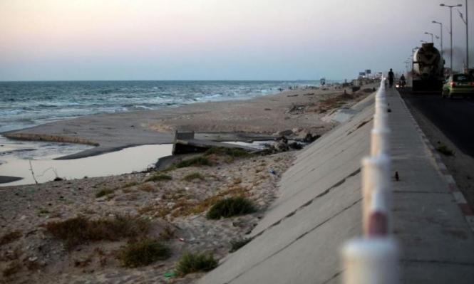 حصار غزة: نفاد وشيك للوقود وتعطل مولدات الطاقة.. وضخ مياه الصرف للبحر