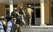 الشرطة الروسية تداهم منازل معارضين بارزين وتحقق معهم