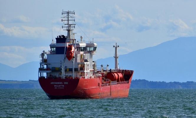 """تقرير: استثمارات شركات النفط تتجه نحو """"الطاقة النظيفة"""""""