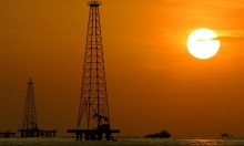 أسعار النفط تعزز مكاسبها جراء انتعاش الطلب العالمي