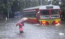 الفيضانات تغرق مومباي الهندية: قتلى وجرحى بانهيار مبنى
