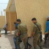 جنود الاحتلال يشاركون في إقامة بؤرة استيطانيّة قرب نابلس
