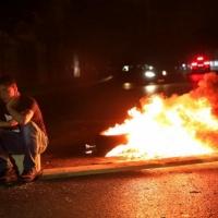 لبنان: محتجون يقطعون طرقا رئيسية تنديدا بالانهيار الاقتصاديّ