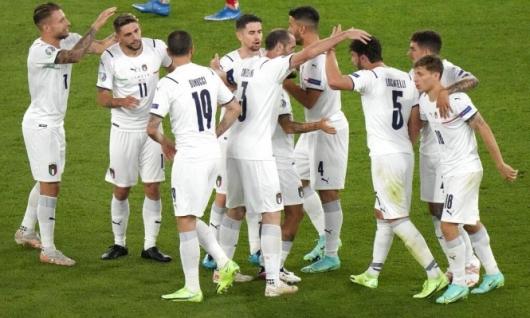 إيطاليا تهزم تركيا في افتتاحية