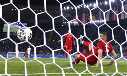 يورو 2020: المباراة الافتتاحية تشهد حدثا فريدا