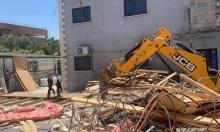 السلطات تجبر مواطنا على هدم جزء من منزله بقلنسوة
