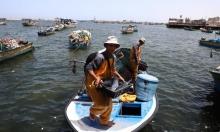 بدءا من الجمعة: الاحتلال يعلن توسيع مساحة الصيد في غزة وإدخال مواد خام للقطاع