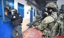 """قوات الاحتلال تعتدي على الأسرى في سجن """"عسقلان"""""""