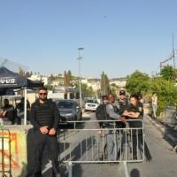 مستوطنون يقتحمون الأقصى والاحتلال يحاصر الشيخ جراح
