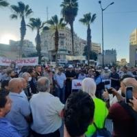 اغتيال بنات: احتجاجات في رام الله وغزّة... والرجوب يعترف بمسؤوليّة السلطة