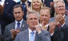 """زعيم الجمهوريين عبّر عن رغبته بضرب بيلوسي """"مازحا"""""""
