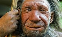 """علماء يؤكدون: إنسان نياندرتال """"لم يكن بدائيا"""".. طلى صخرة قبل 60 ألف عام"""