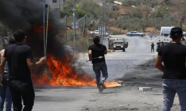 53 جريحا و6 معتقلين بمواجهات مع الاحتلال في بيتا
