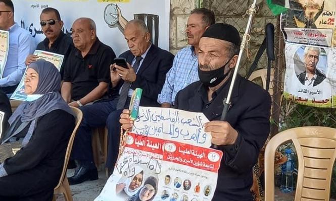 ستة أسرى يواصلون الإضراب عن الطعام