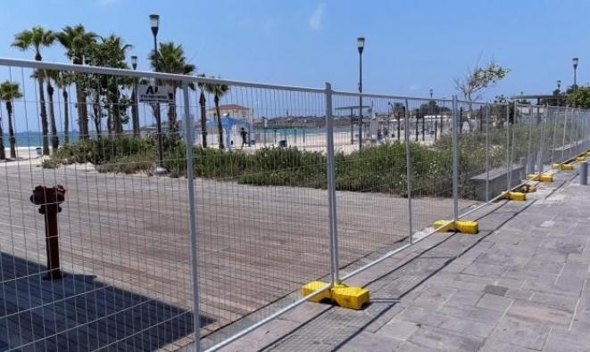 """إغلاق """"أرغمان"""" في عكا: """"لا صلاحيّة للبلديّات بمنع دخول المدن والشواطئ"""""""