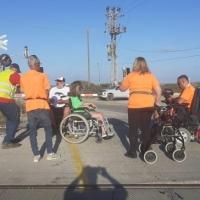 احتجاجات ذوي الاحتياجات الخاصة تتجدد وتشوش حركة القطارات بالبلاد