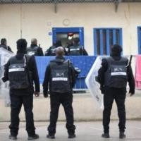 5 أسرى إداريين يقاطعون محاكم الاحتلال ويمتنعون عن تناول الدواء