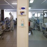 بينيت يرفض توصية وزارة الصحة بتقليص التجمهرات