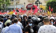 تونس: الرئيس يستكمل انقلابه على الدستور ويخاطر بأزمة وطنية